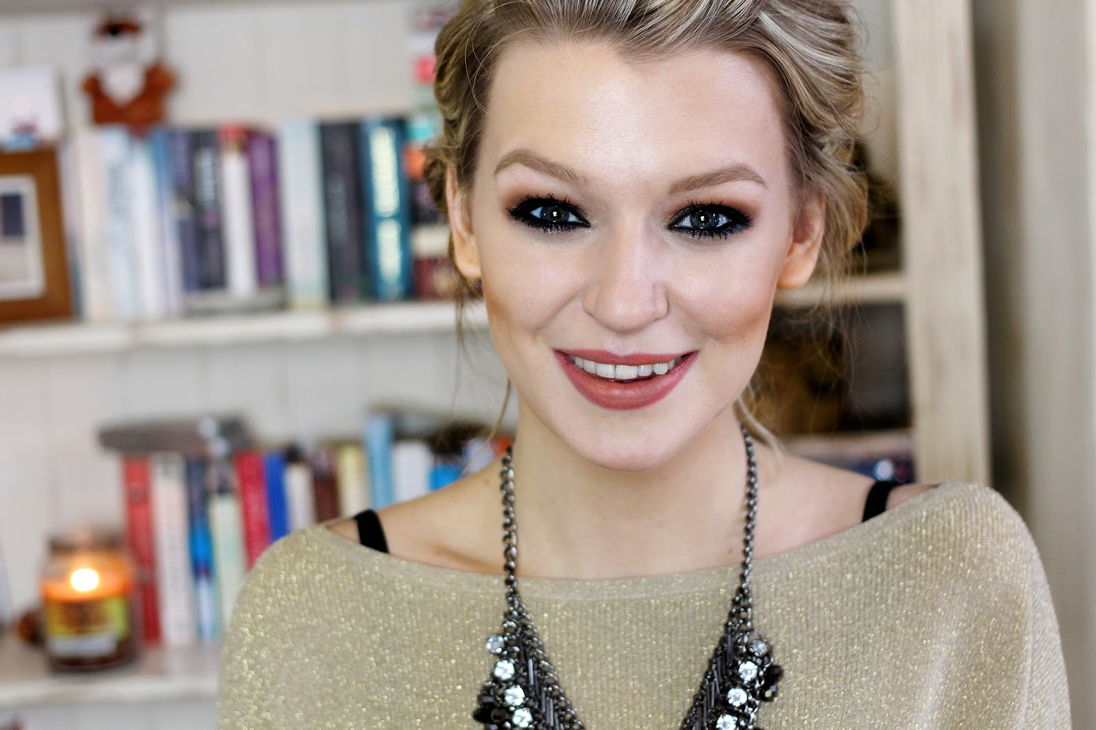Beauty blogger and make-up artist Zoe Newlove's Easy Evening Make-up YouTube Tutorial