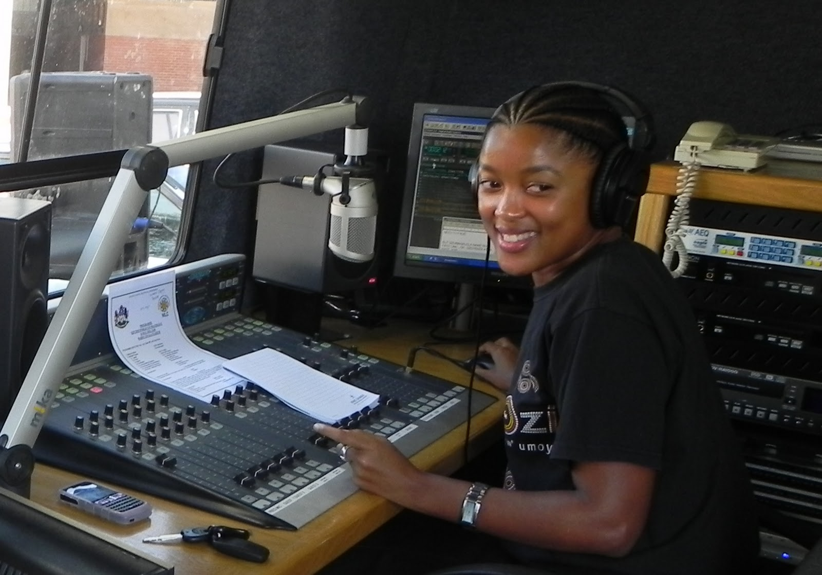 Noncebo V Mckenzie - uKhozi FM