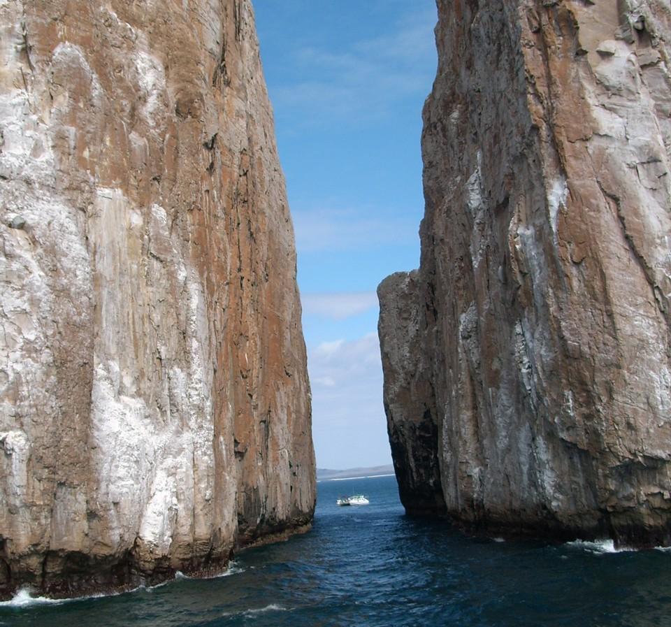 ze viagem foto rochas no mar