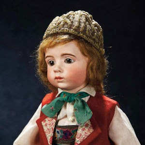 http://www.capitalgazette.com/news/business/annapolis-auction-house-makes-record-sale-for-antique-doll/article_51b7c122-027d-5d17-990f-7dd570573916.html