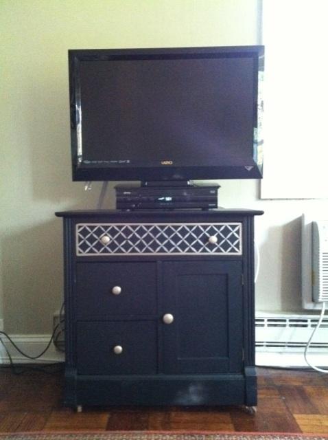 just getting started diy navy blue lattice dresser. Black Bedroom Furniture Sets. Home Design Ideas