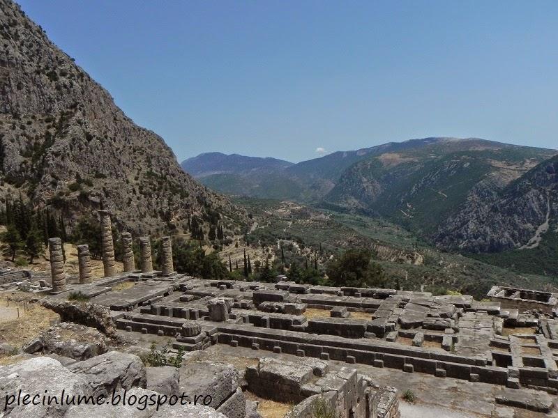 Oracolul din Delphi, in Templul lui Apollo
