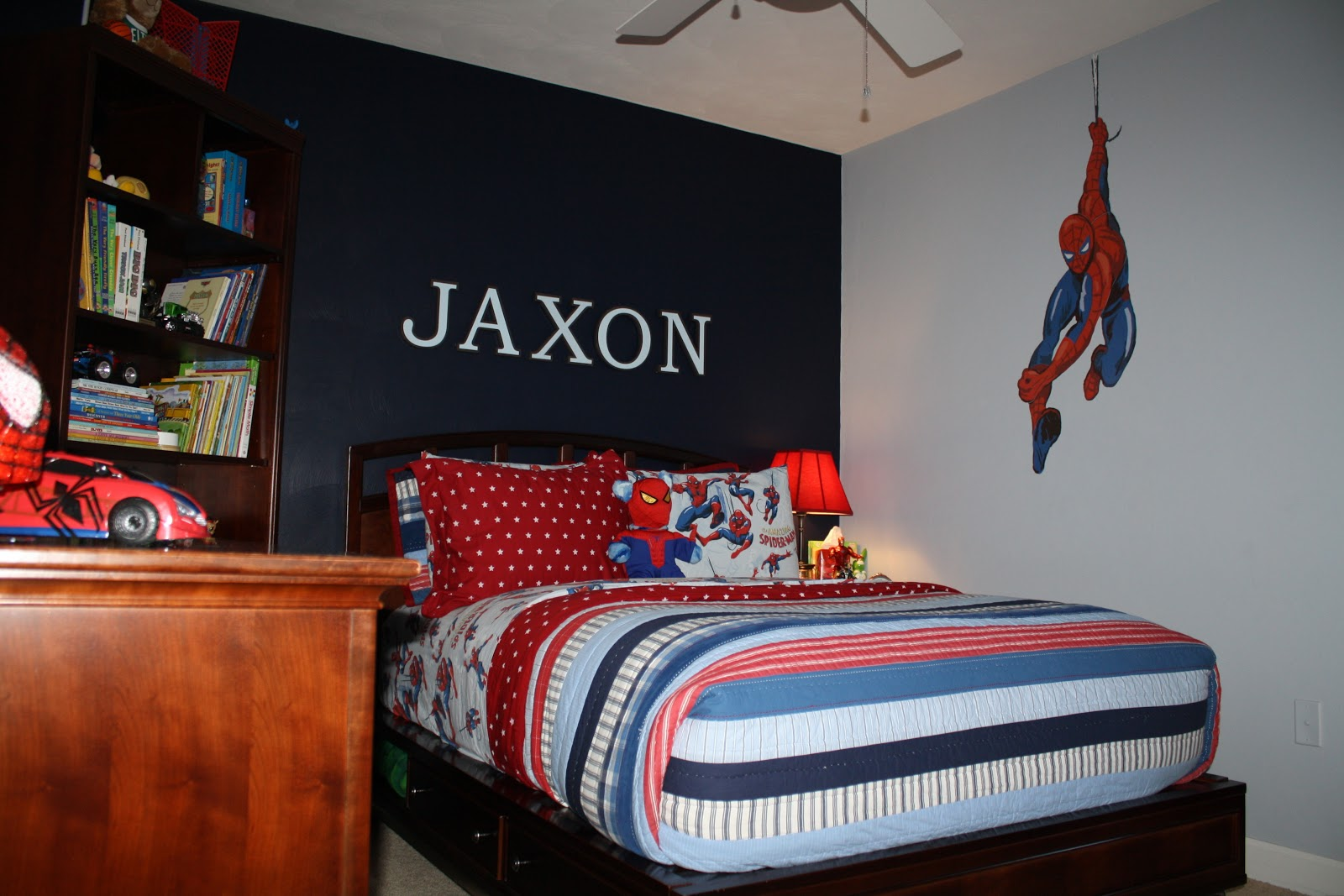 Bolling with 5 jax 39 s spiderman room is finally complete for Dormitorio hombre
