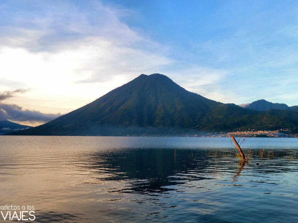 volcan de san pedro Lago Atitlan, Guatemala