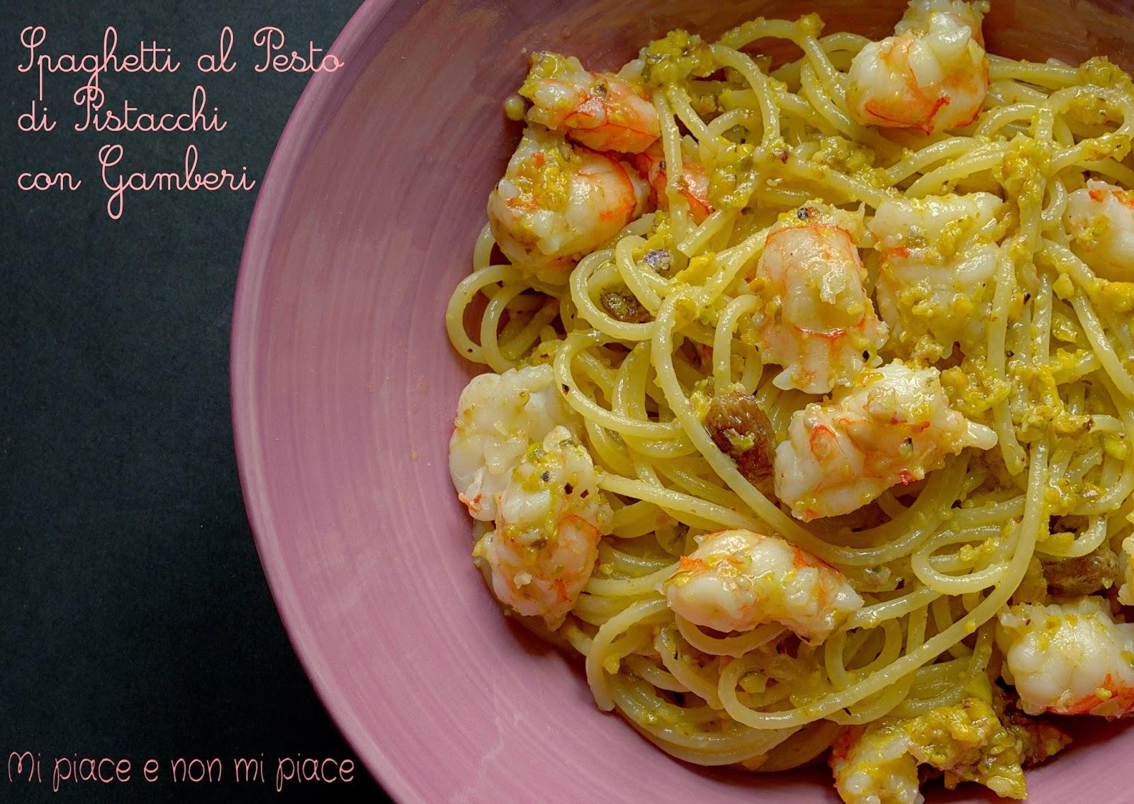 Spaghetti con Pesto di Pistacchi e Gamberi