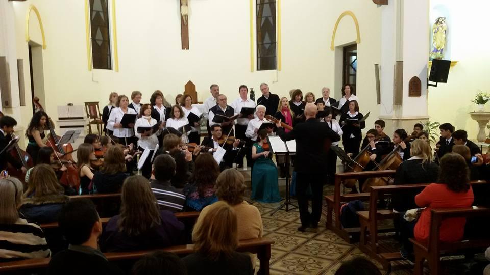 """""""Coro de la Innovación"""" y """"Grillitos Sinfónicos"""" en la Catedral de Posadas (Misiones)"""