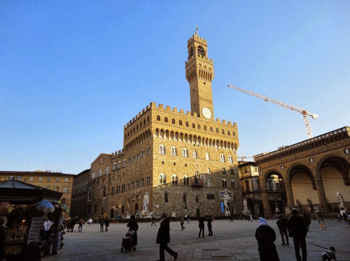 Le epigrafi storiche nascoste e non parlamento italiano for Palazzo parlamento italiano