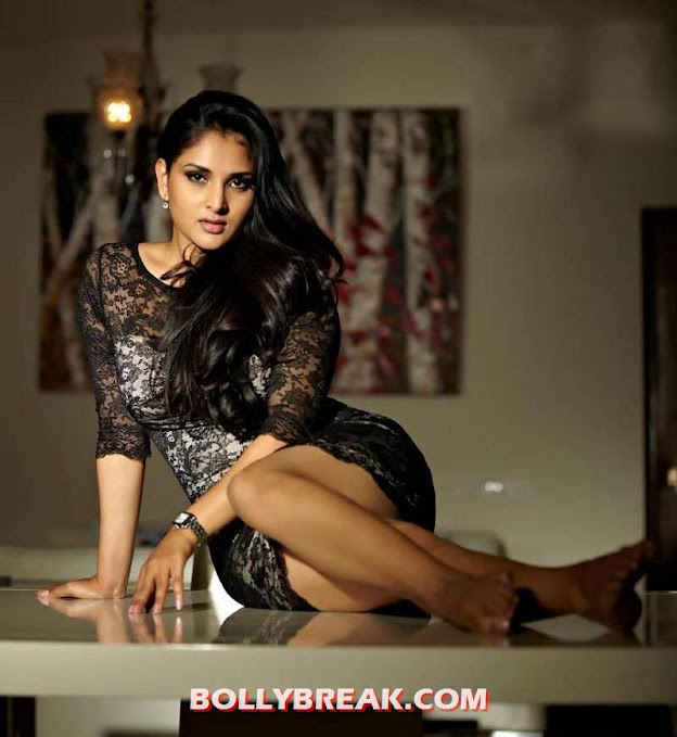 Divya Spandana Hot Photos