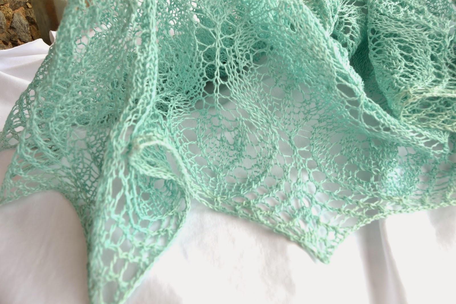 схема вязания летней косынки спицами