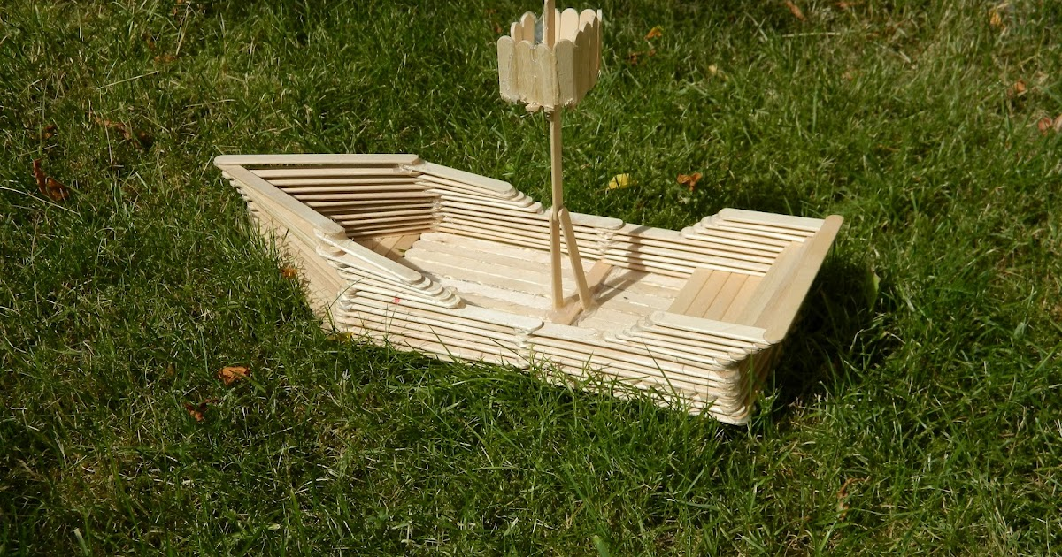 TR: Detail How do you make a wooden canoe
