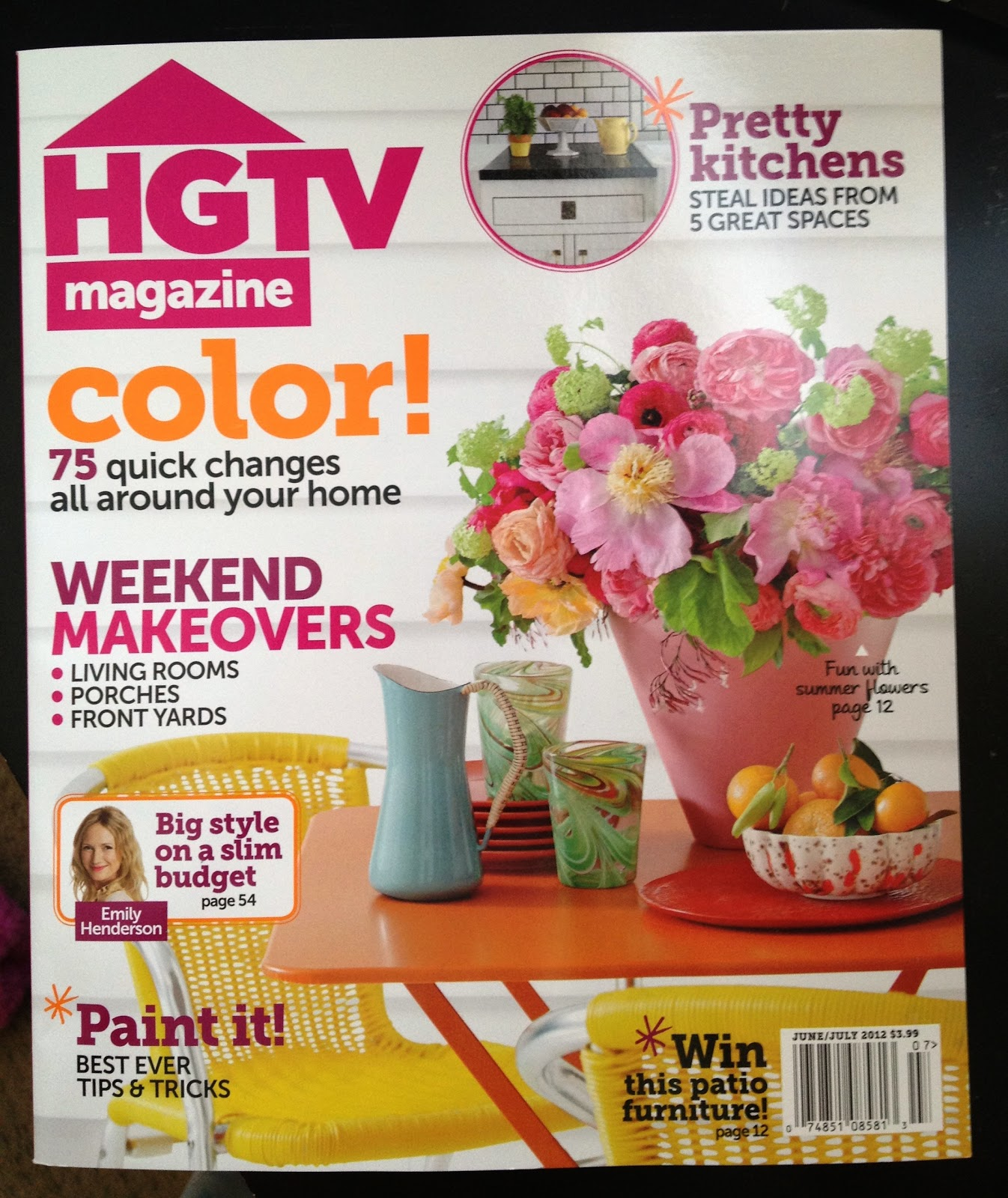 this is hgtv third issue and they already have a huge readership i really love this new home decor magazine because it reads very much like - Home Decor Magazines