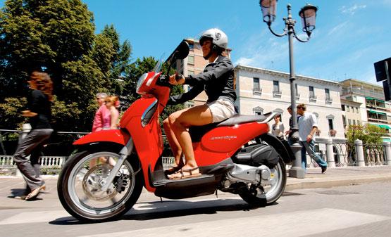 2011 Aprilia Scooter Scarabeo 200