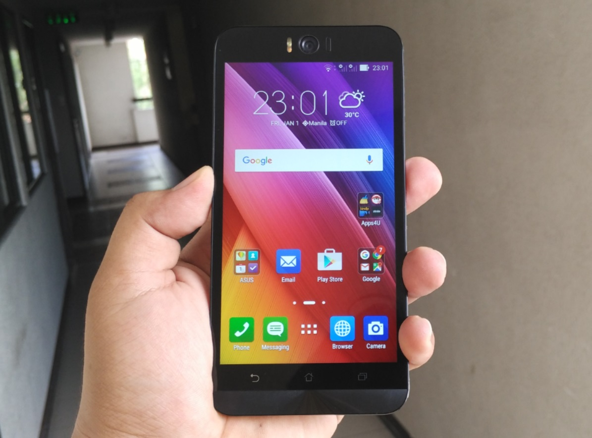 asus zenfone selfie review front act teknogadyet. Black Bedroom Furniture Sets. Home Design Ideas
