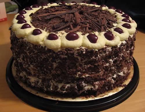 Cocinando con rosalia pastel de moka pay de fresa brazo for Tortas decoradas faciles