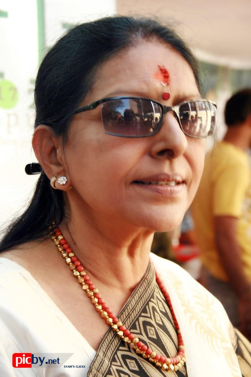 Sharada - Malayalam Film Actress - Stills, Photos 3 | Matineestars