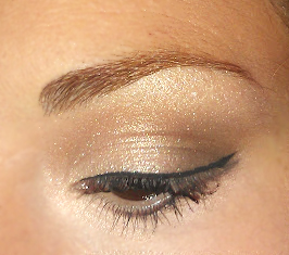 Me So Vain : Light Brown Shimmery Eyeshadow