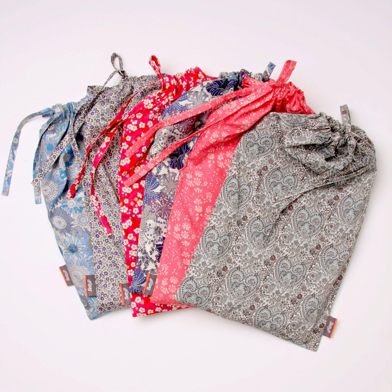 6 varianter af babysengetøj syet af Liberty stoffer.