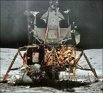 Lunar Lander Interior (page 2) - Pics about space