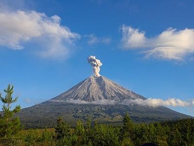 Nama-Gunung-di-Indonesia