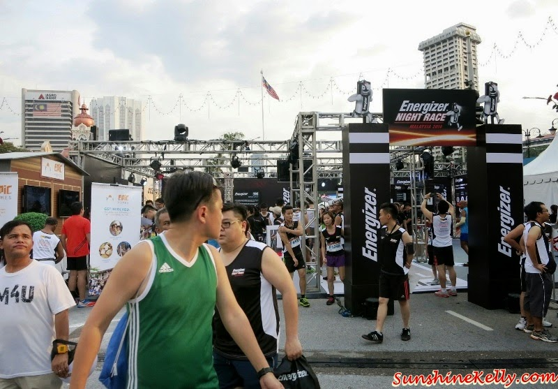 Malaysia Largest Night Race, Energizer Night Race 2014, Energizer Malaysia, ENR2014, running, girls running, marathon