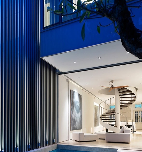 Decora y disena una hermosa casa moderna en singapur for Casa moderna 8