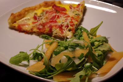 Tarte gratinée de fromage et tomates