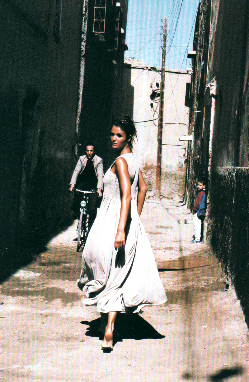 Helena Christensen in de Sable et de Soie, Vogue Paris May 1994 (photography: Pamela Hanson, styling: Marie-Amelie Sauve) via fashioned by love