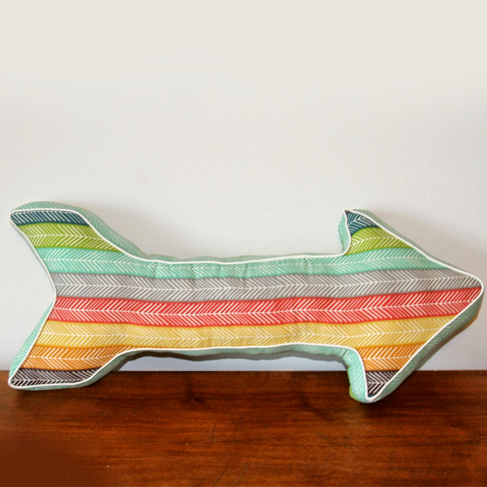 Free Pattern | Arrow Pillow
