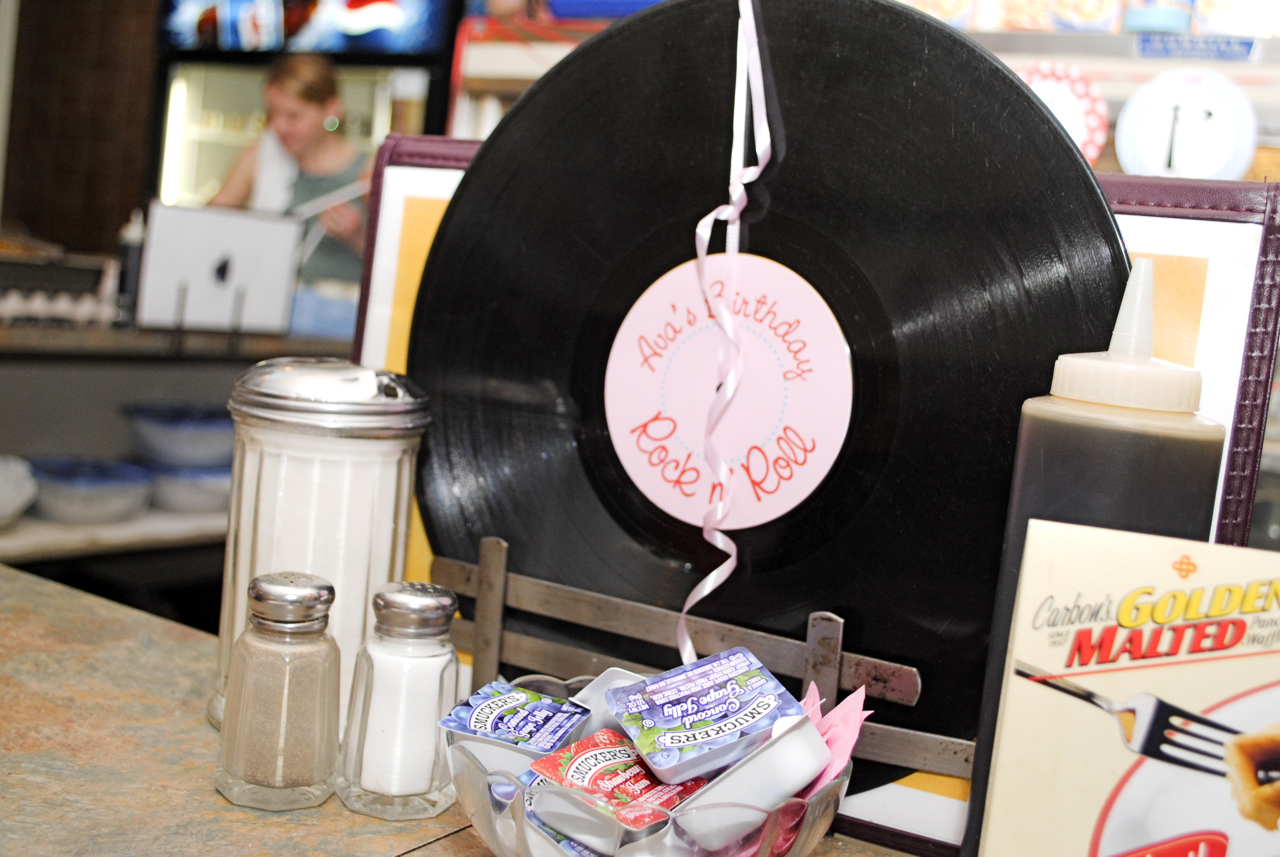 Miss peanut little peanut ava 39 s retro diner 1st for Record decoration ideas
