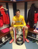 Thibaut Courtois posa con la Copa