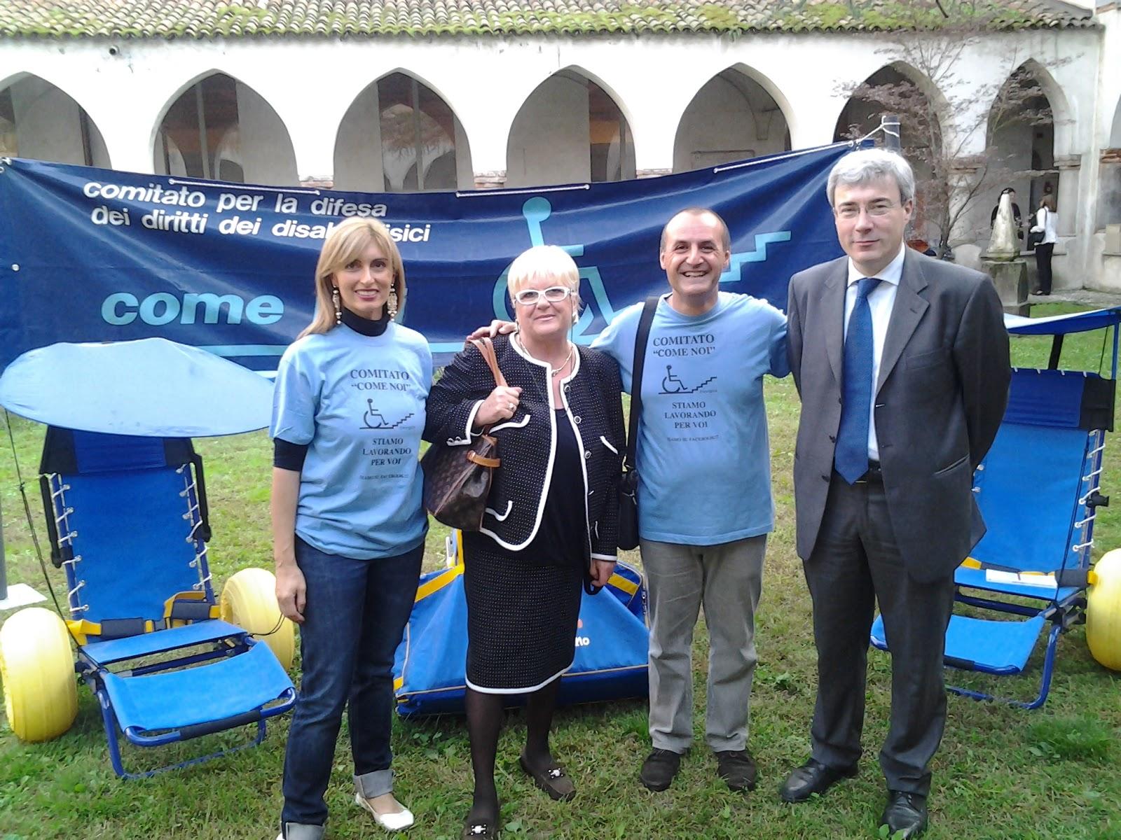 Comitato come noi treviglio bg giornata del volontariato a treviglio del 7 ottobre 2012 - Piscina comunale treviglio ...