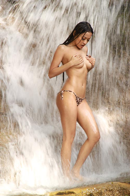 women from guam nude