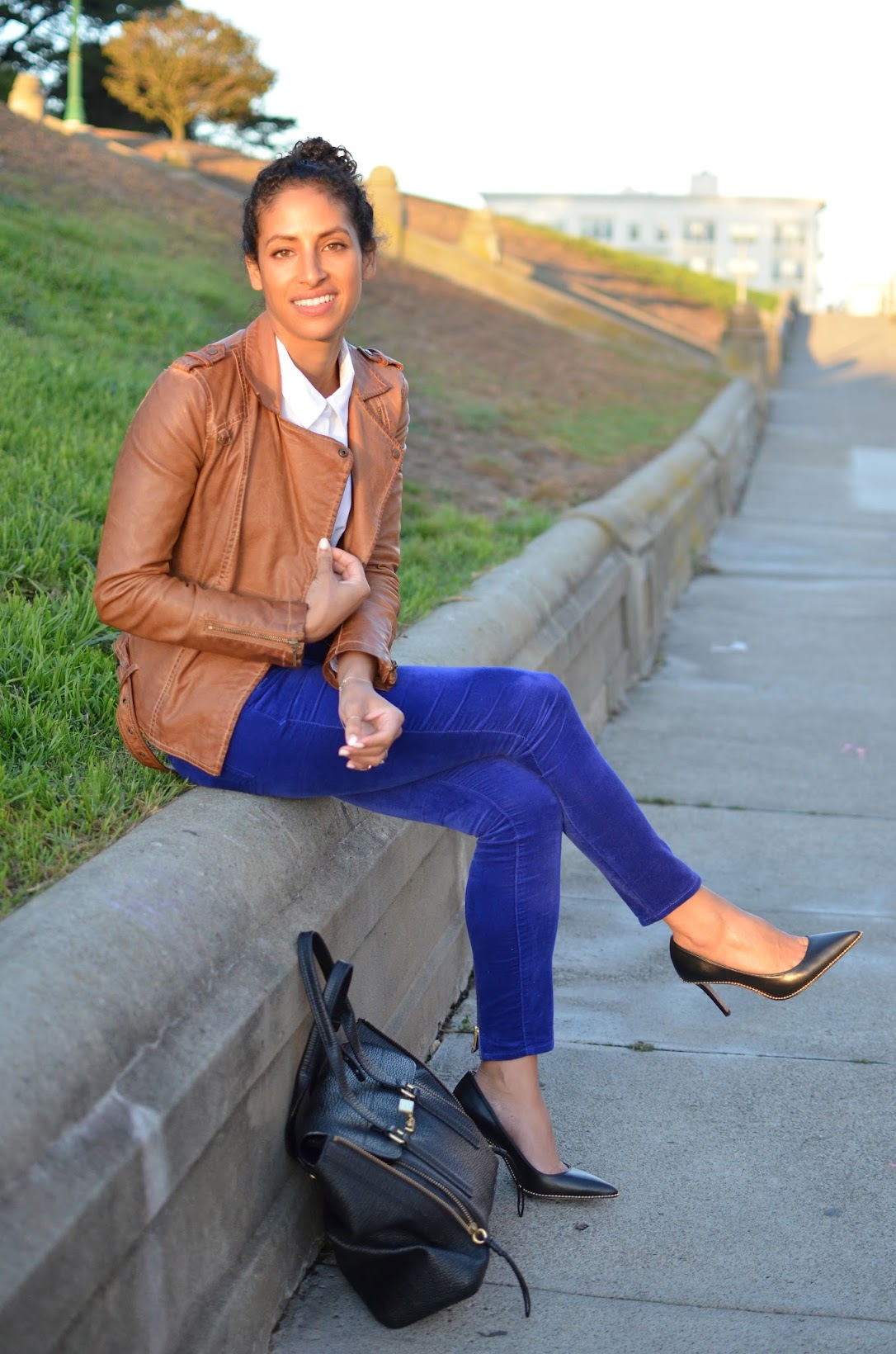fall style, fall style in the city, SF style, SF blogger, Coach Tamera pumps, Zara leather moto jacket, cobalt pants, Gap style, chic work style
