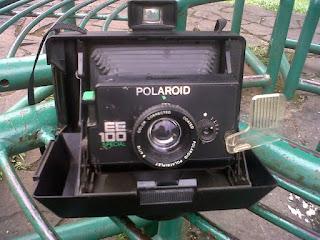 EE100 special polaroid dibuka