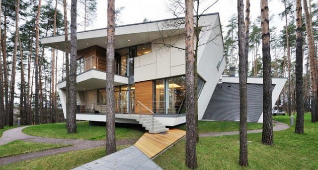 Угловатый дом
