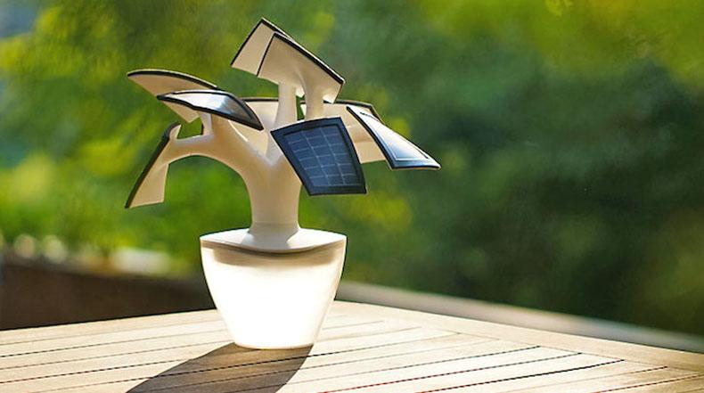 Hermoso cargador alimentados por energía solar tiene la forma de un árbol bonsai