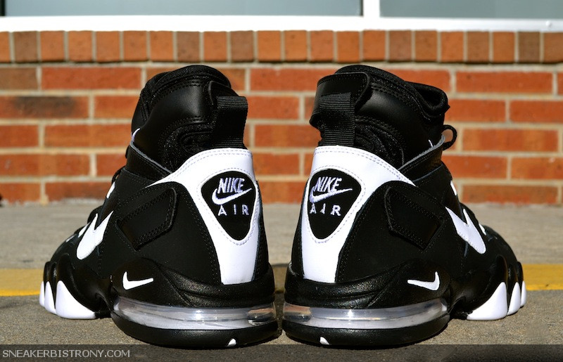 Back in the day, the Nike Air Max 2 Strong was the premiere Nike big
