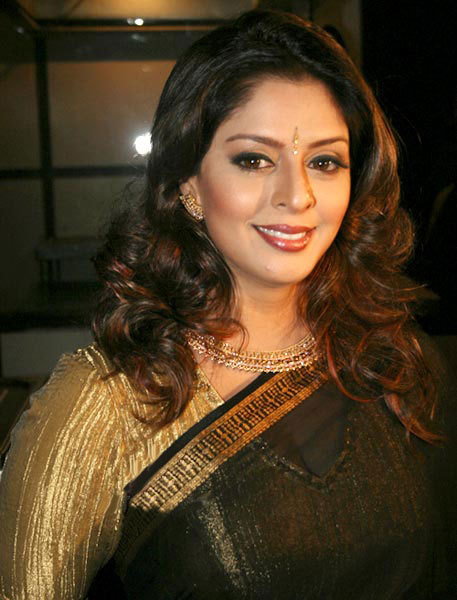 Naghma Sex Photo http://raaga9mp3.blogspot.com/2011/07/south-indian-actress-nagma-hot-images.html