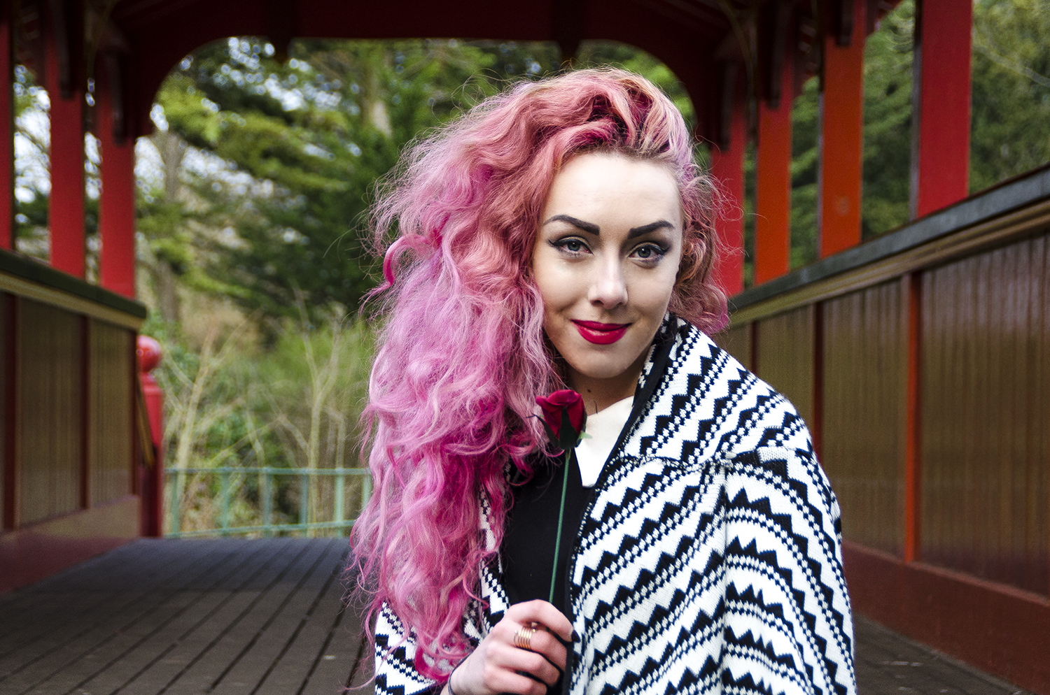 Stephi LaReine, pink haired fashion and lifestyle blogger