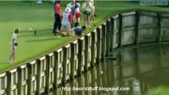 [VIDEO] Bizarre Scene at Pro Golf Tournament