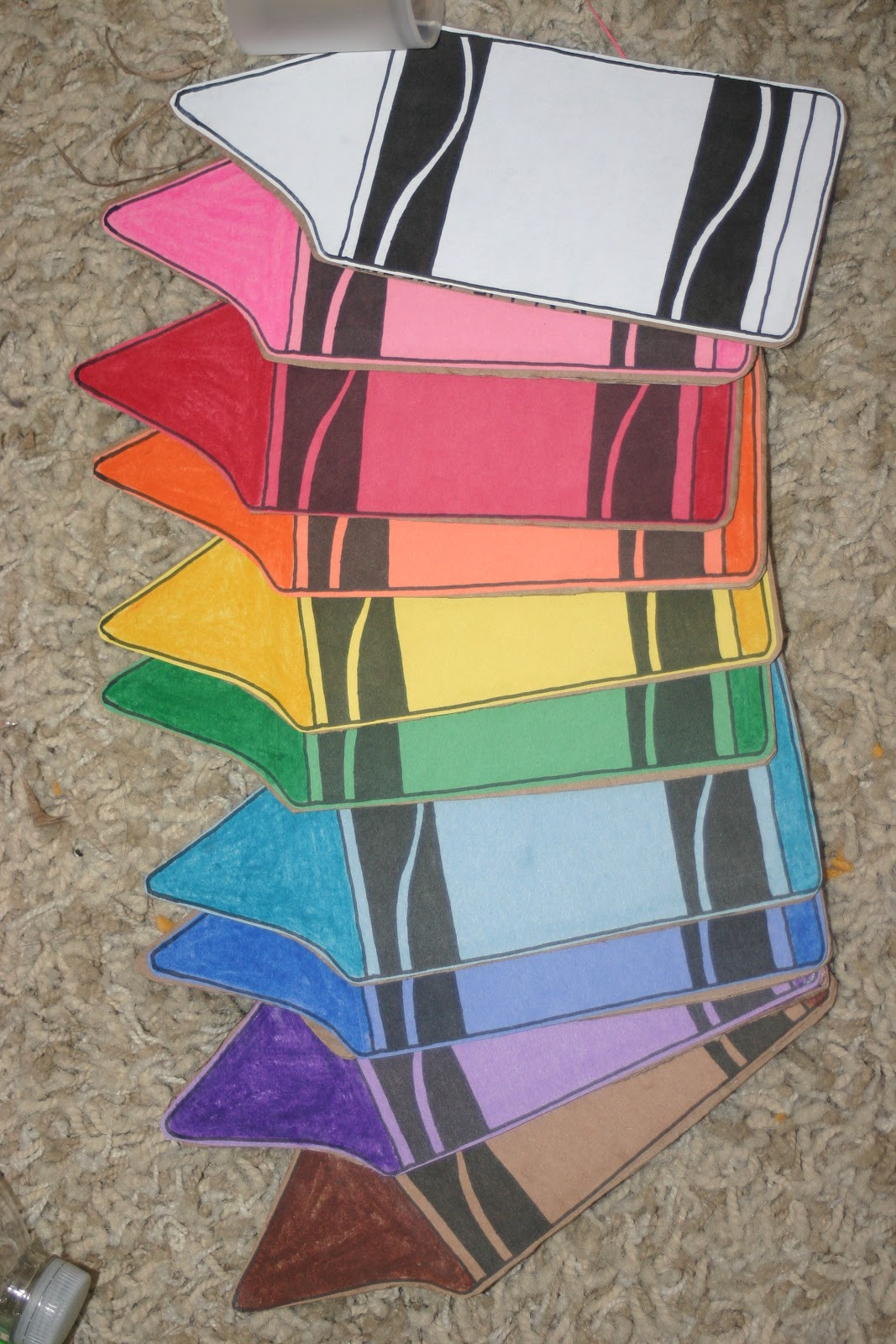 Lines across crayon flash cards for Things to make out of construction paper