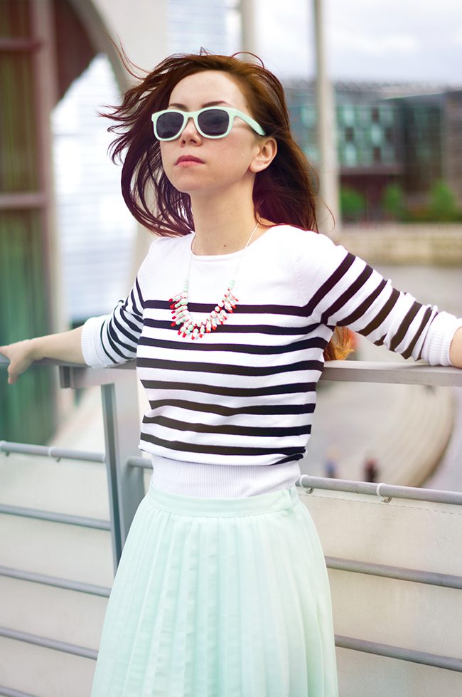 Berlin StreetStyle. Striped top and pastel pleated skirt. Style by Xenia Kuhn.