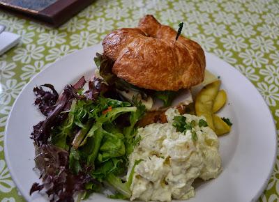 http://www.wildflowergourmetcafe.com/
