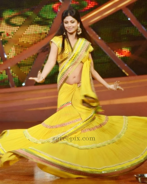 Shilpa-shetty-dance-saree-Nach-baliye-6-sets