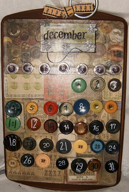 """""""Vintage Buttons"""" calendar"""