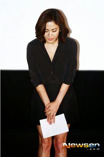 Song Hye Kyo tundukkan wajah pertama kali tampil setelah kasus tidak membayar pajak.