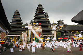 the largest Hindu temple in Bali, Mount Agung, Pura Besakih