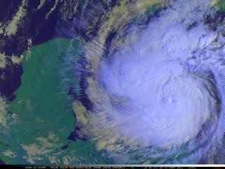 2011, aktuell, Atlantik, Belize, Fluglinie airline Flug gecancelt, Hurrikansaison 2011, Oktober, Playa del Carmen, Rina, Riviera Maya, Verlauf, Vorhersage Forecast Prognose, Yucatán, Zugbahn, 1-km resolution NOAA-16 false-color Red/Green/Blue (RGB) image