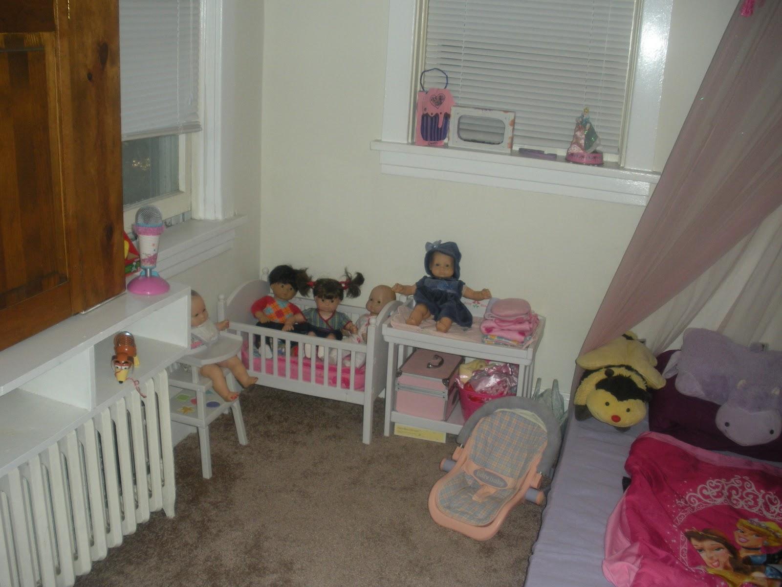 MissKristi\'sCraft,Teaching&DollBlog: Gwenie\'s New Doll Areas in her ...