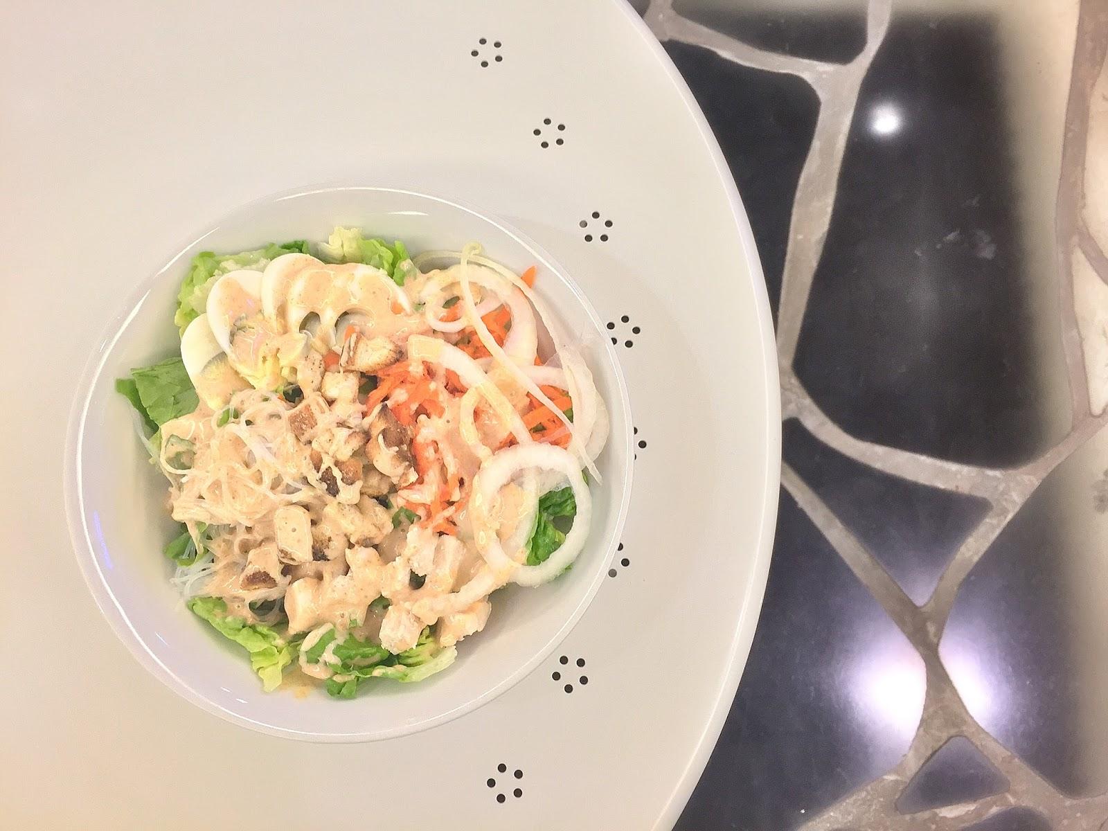 Green Rabbit Crepe & Salad Gastrobar - Mona Laksa